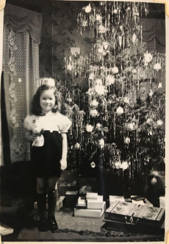 dec 25 1940 girl