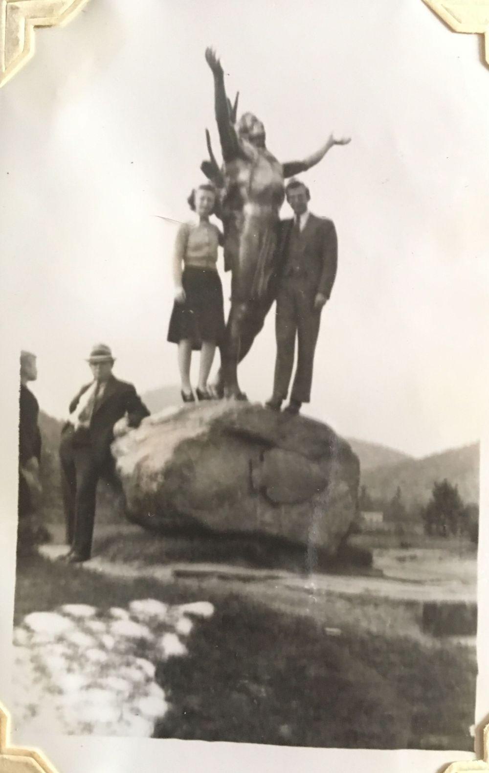 october 1940 statue
